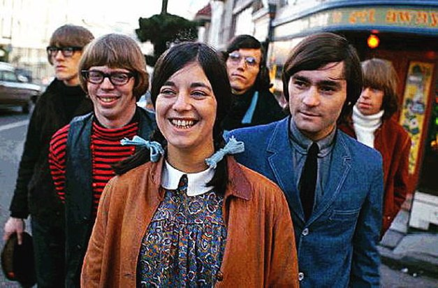 Jefferson Airplane: Folk-Rock ensemble will play at your next dance, prom or Birthday Party. Call now.