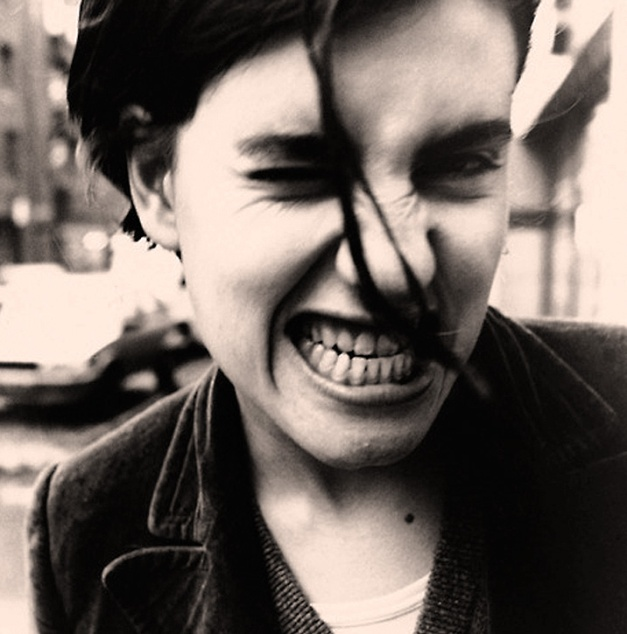 Elastica's inimitable Justine Frischmann and proof of dedicated flossing.